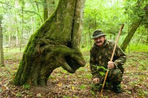 Förster und Baumgesicht Belarus Weissrussland