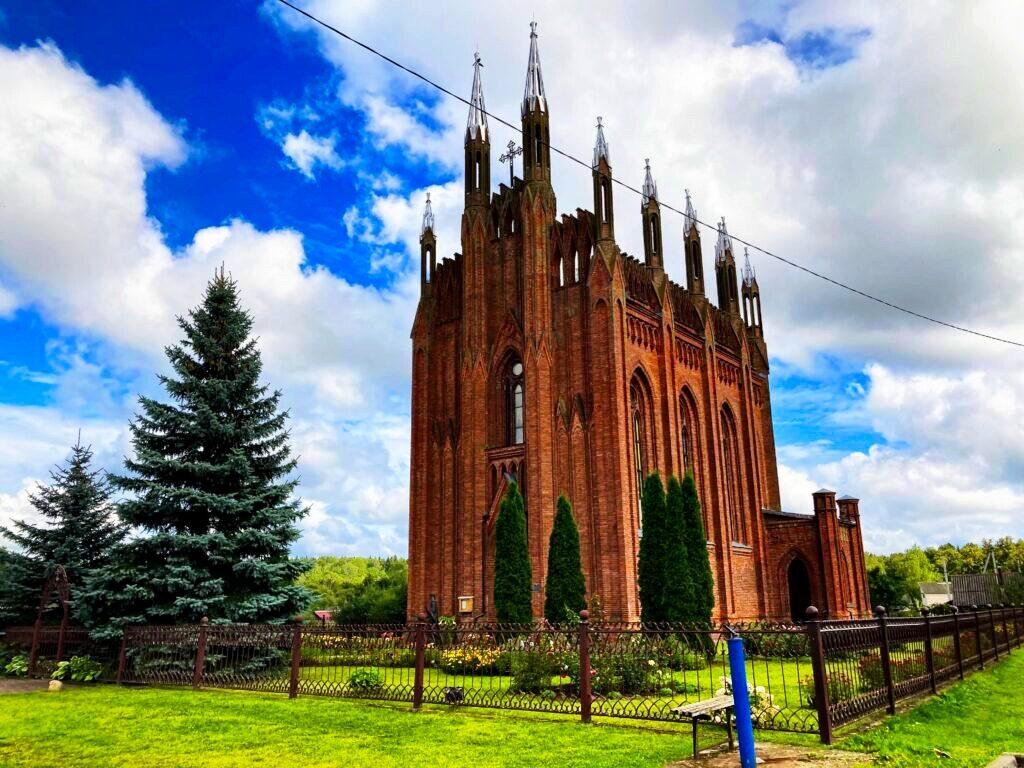 Kirche in Sarja   Foto: Sveta Abehtikova