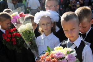 Erster Schultag 1. September Belarus Weißrussland